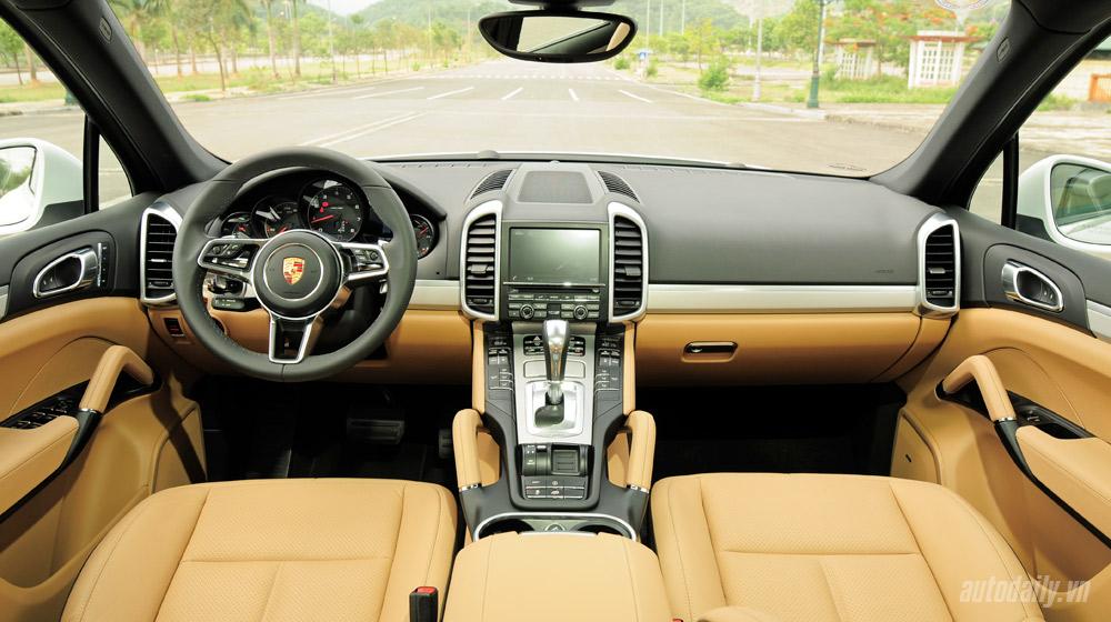 Porsche Cayenne 2015 (56).jpg