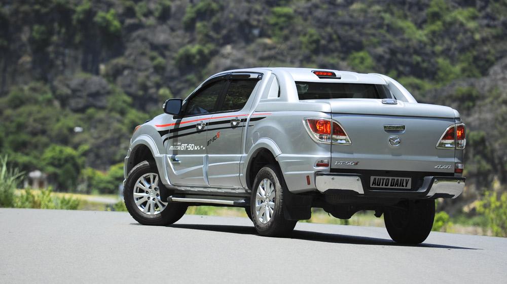 Mazda-BT50-2015-(2).jpg