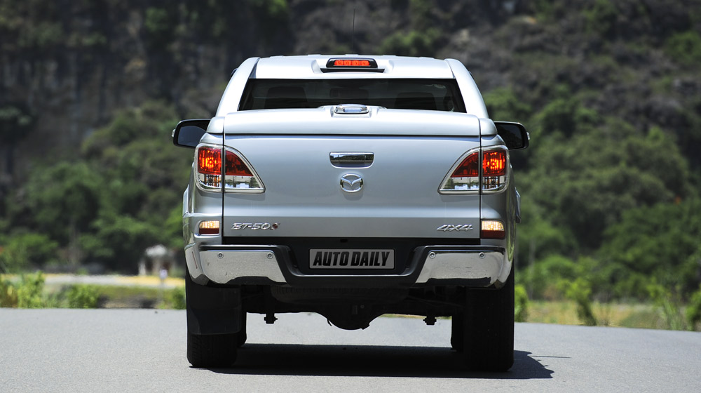 Mazda-BT50-2015-(5).jpg