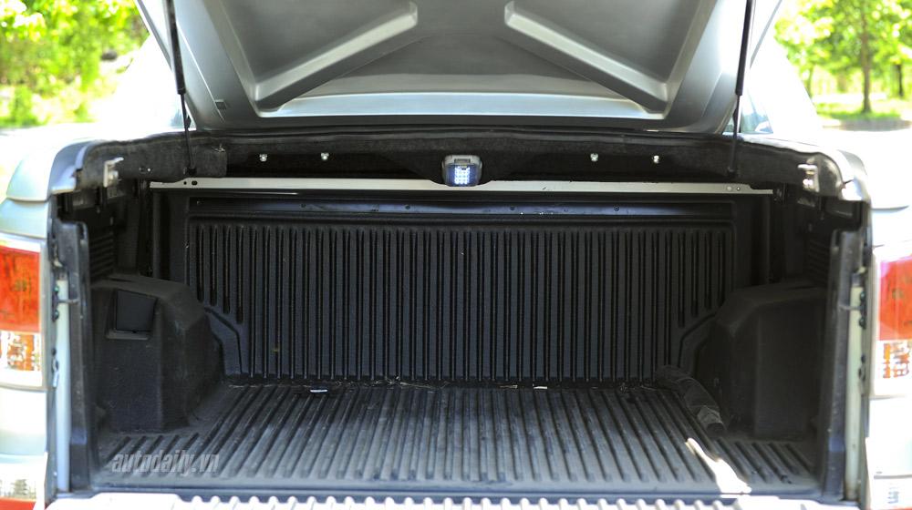 Mazda-BT50-2015-(64).jpg