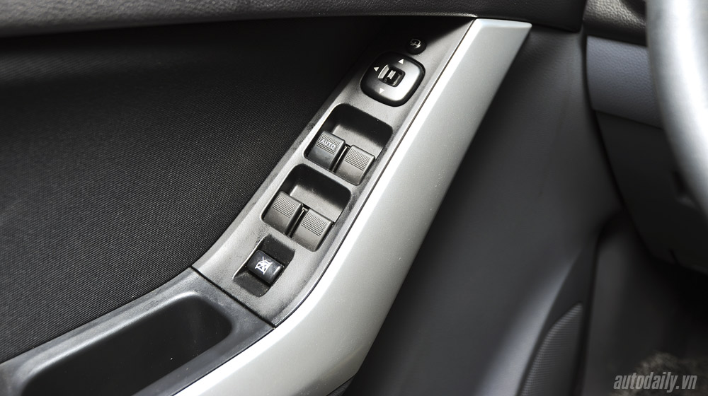 Mazda-BT50-2015-(75).jpg