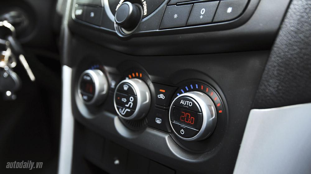 Mazda-BT50-2015-(80).jpg
