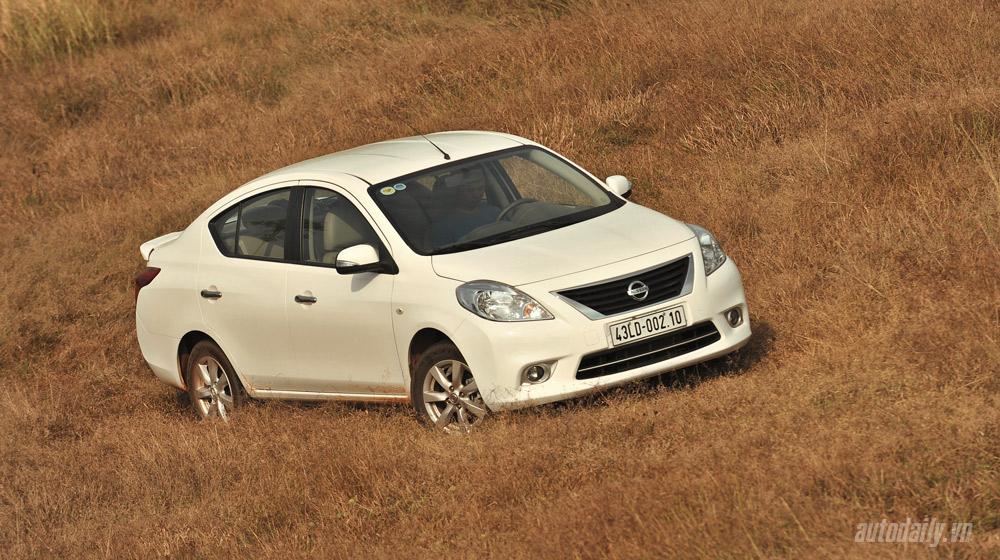 Nissan Sunny (24).jpg