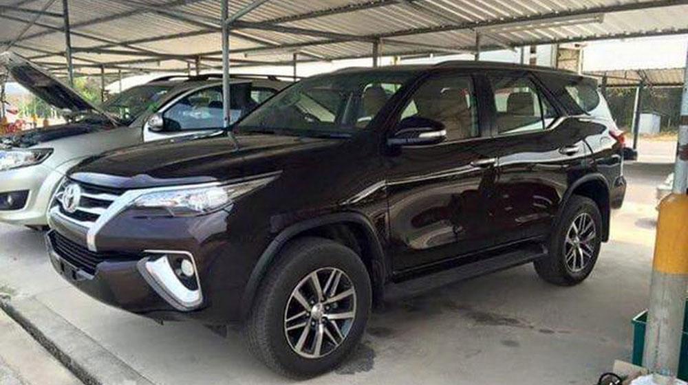 2016-Toyota-Fortuner-1-1.jpg