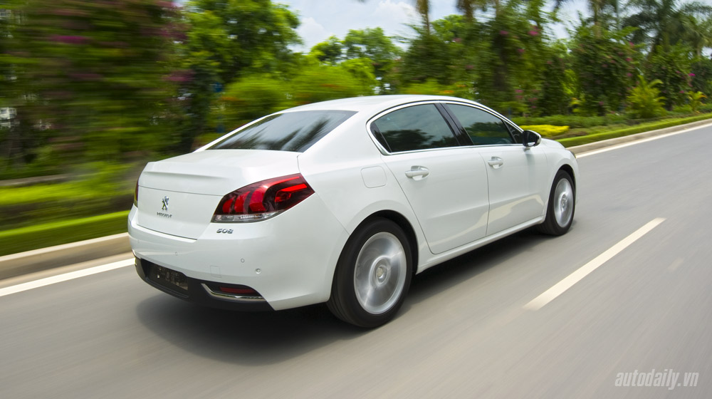 2.-Peugeot-508-canh-chay-(5).jpg