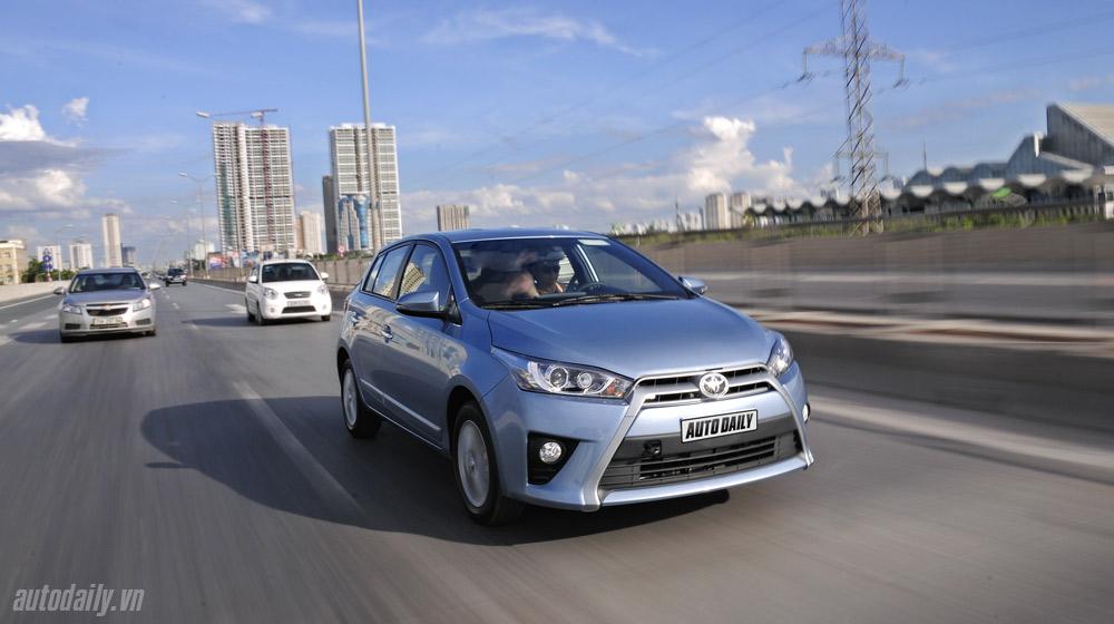 Toyota-Yaris-2014 (2).jpg