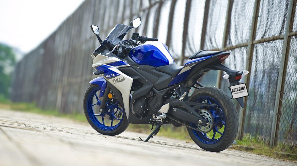 Yamaha R3_03.jpg