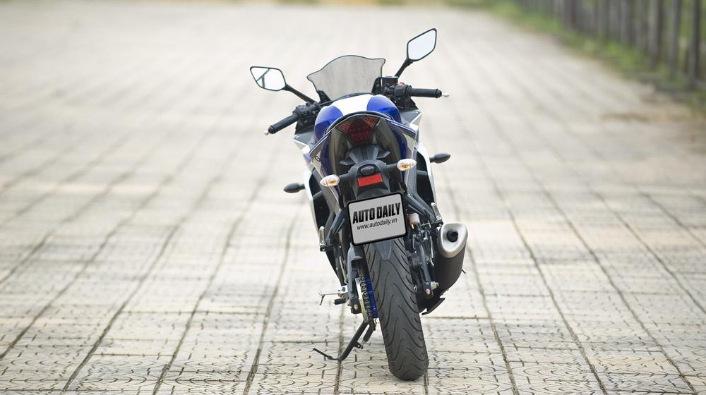 Yamaha R3_04.jpg