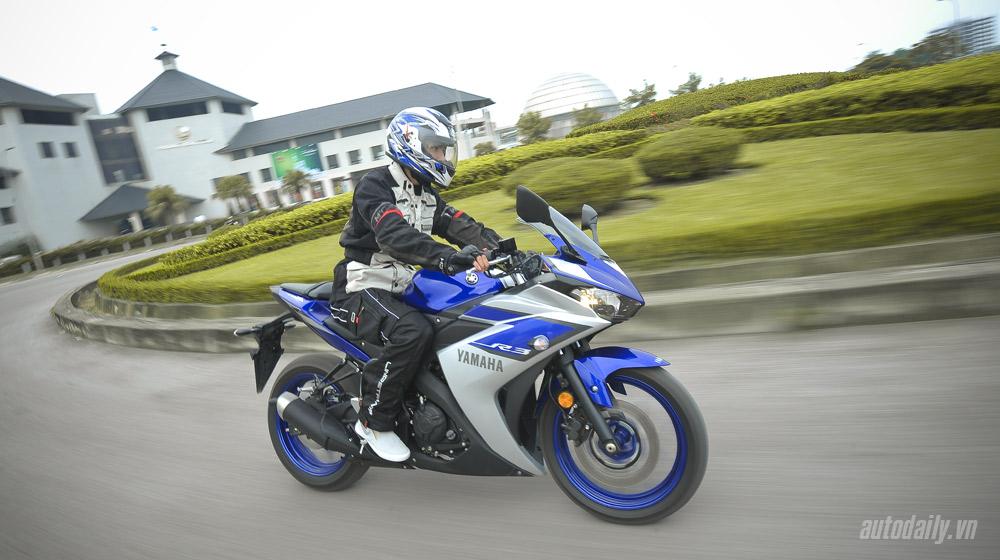 Yamaha R3_15.jpg