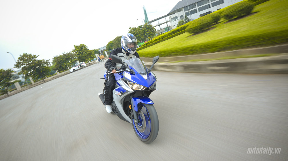 Yamaha R3_16.jpg