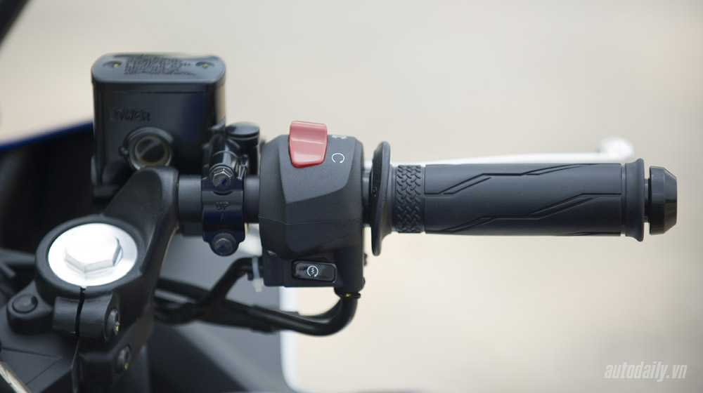 Yamaha R3_36.jpg
