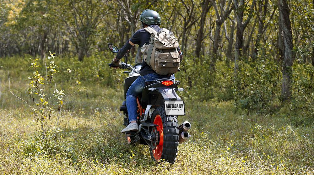 KTM 390 Duke_08.jpg