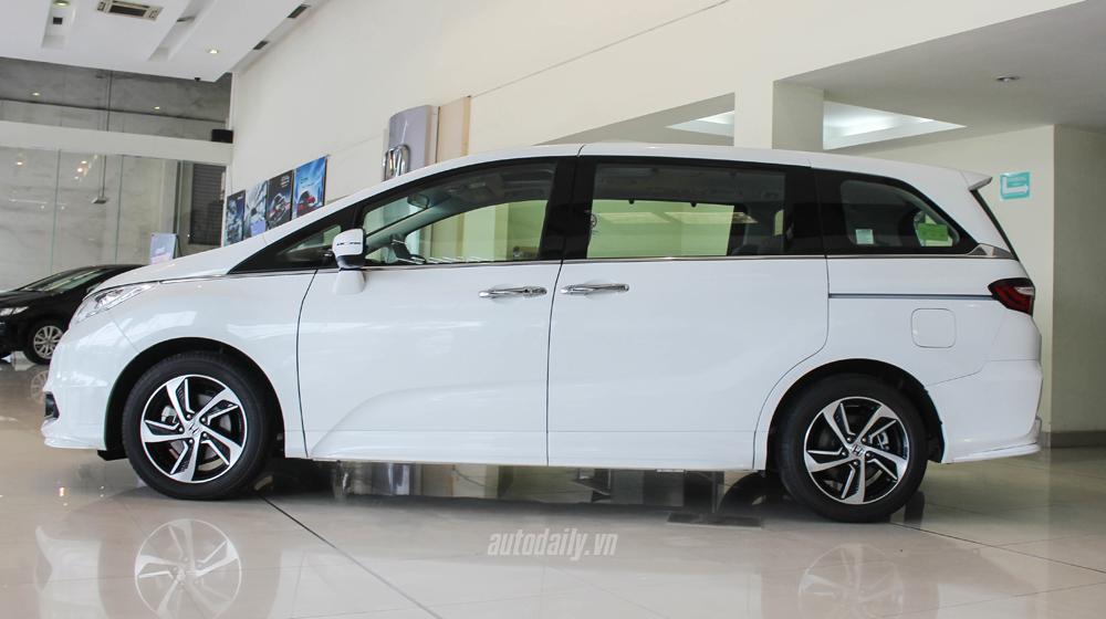 Honda Odyssey (2).JPG