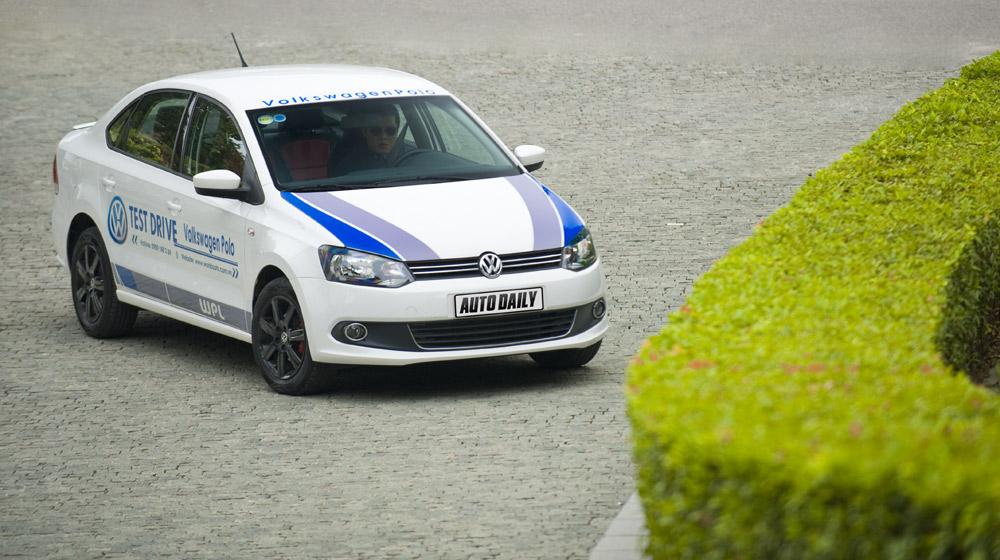 Volkswagen-Polo-Sedan-Test-Drive (2).jpg
