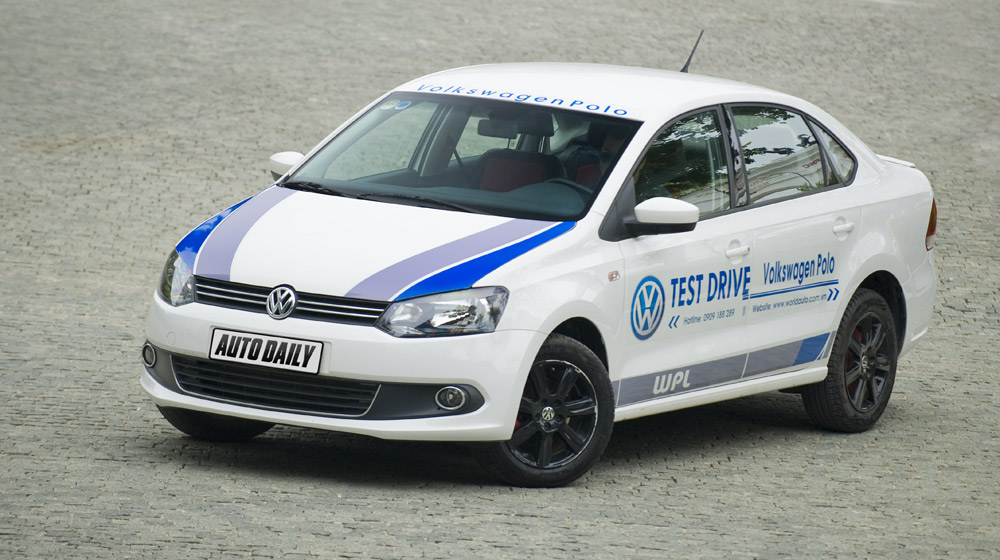 Volkswagen-Polo-Sedan-Test-Drive (3)-1.jpg