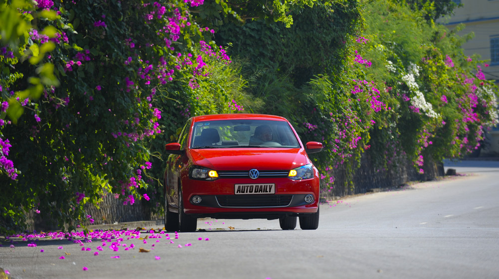 Volkswagen-Polo-Sedan-Trip (4).jpg
