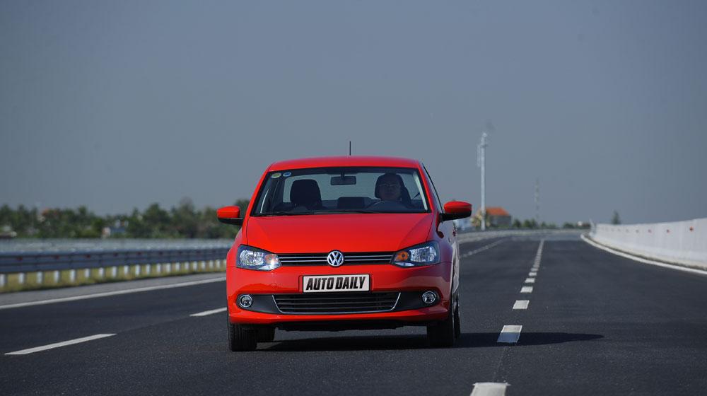 Volkswagen-Polo-Sedan-Trip-(1).jpg