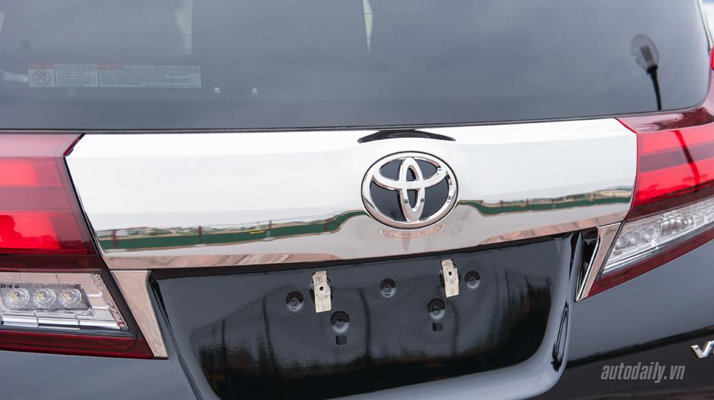 Toyota Alphard 2016 (18).jpg