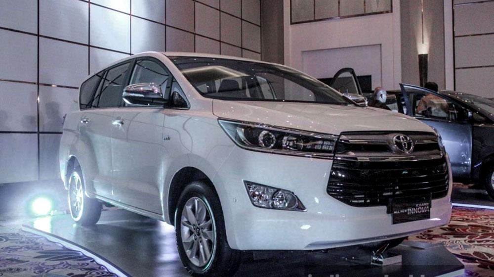 2016-Toyota-Innova.jpg