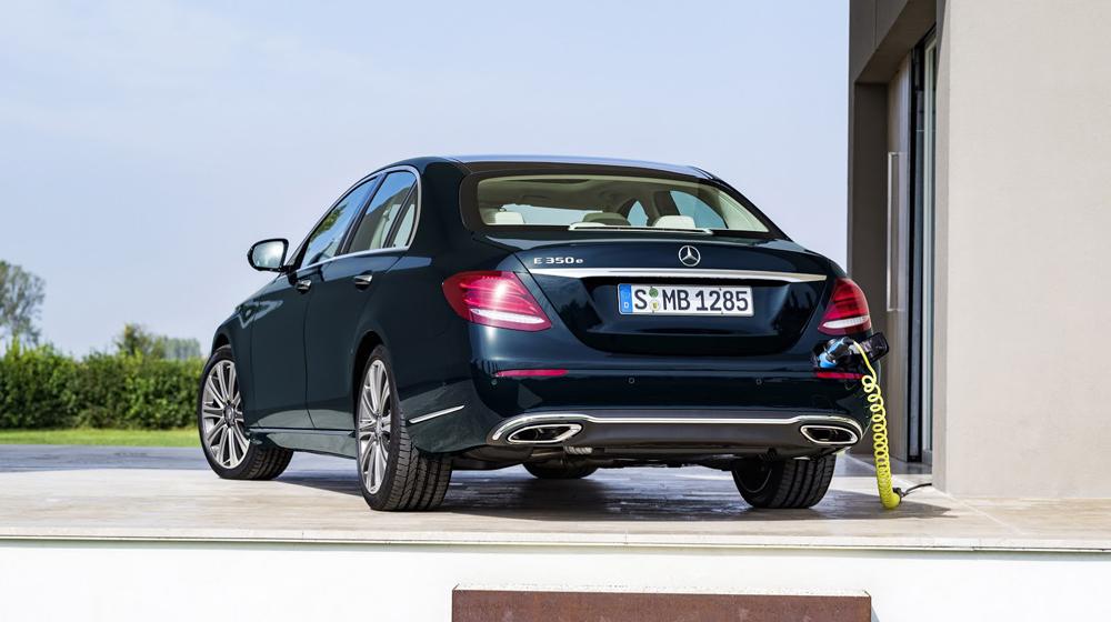 2017-Mercedes-Benz-E-Class-22 copy.JPG