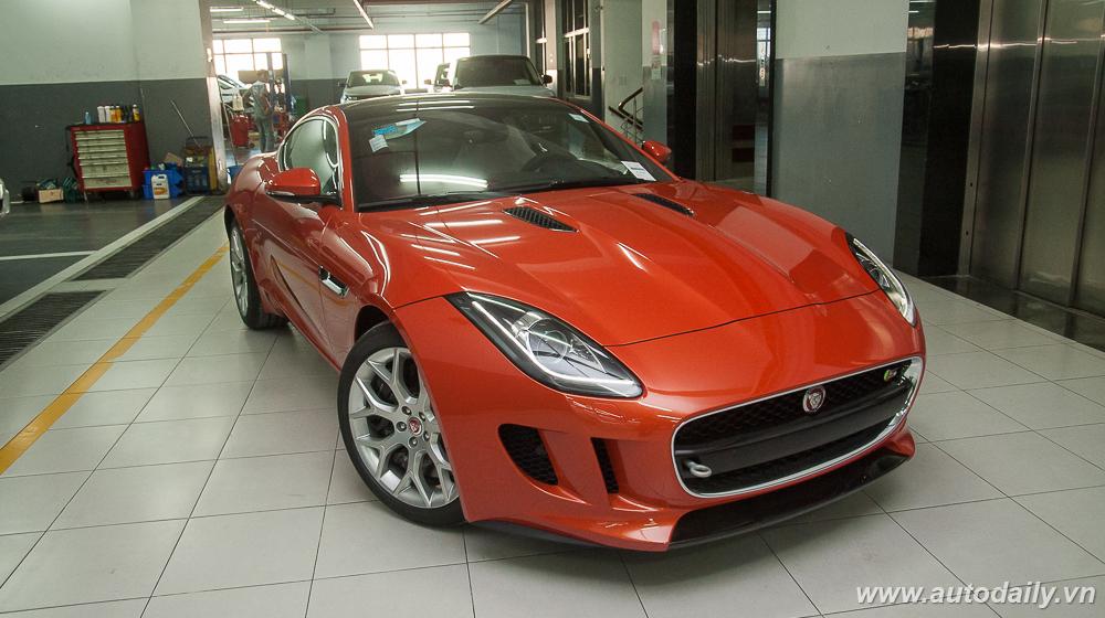 Jaguar F-Type (1).jpg