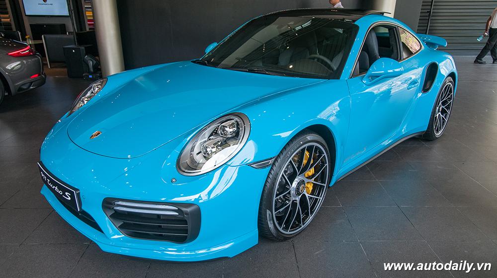 Porsche_911_Turbo_S (1).jpg