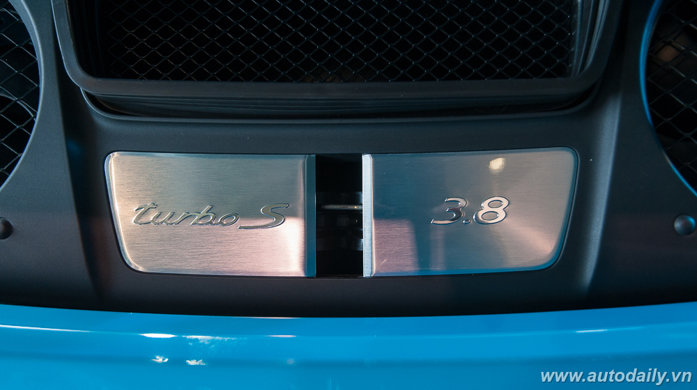 Porsche_911_Turbo_S (41).jpg