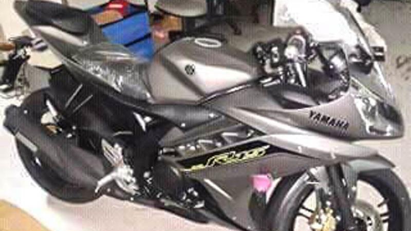 2016-Yamaha-R15-grey-spied-in-Indonesia.jpg