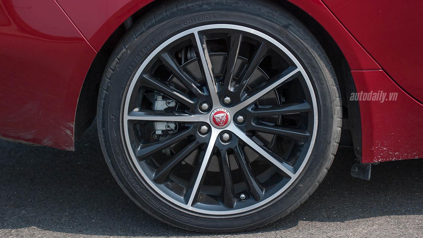 Jaguar XE Test Drive (10).jpg
