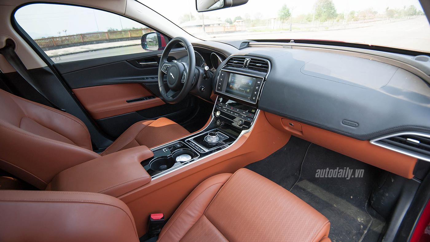 Jaguar XE Test Drive (31).jpg