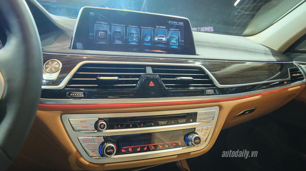 BMW_7-Series (13).jpg