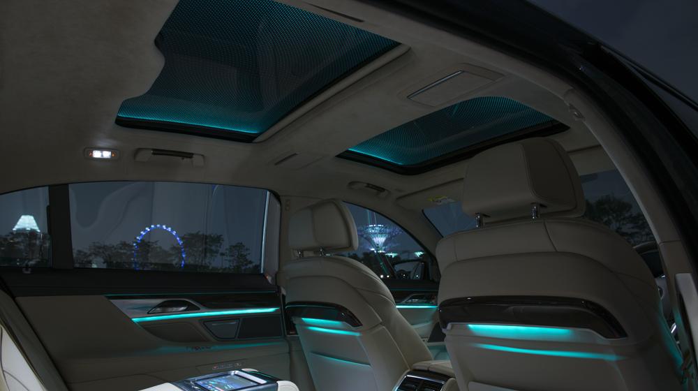 Cửa sổ trời toàn cảnh Sky Lounge - Chuyển động hòa cùng cảm xúc copy.JPG