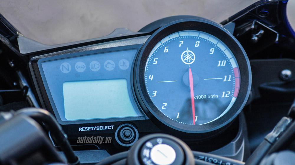 Yamaha r15 2015 (15).jpg