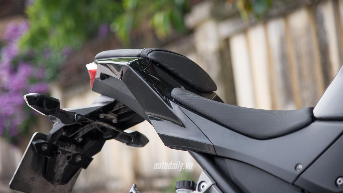 Đánh giá Z300 ABS (13).jpg