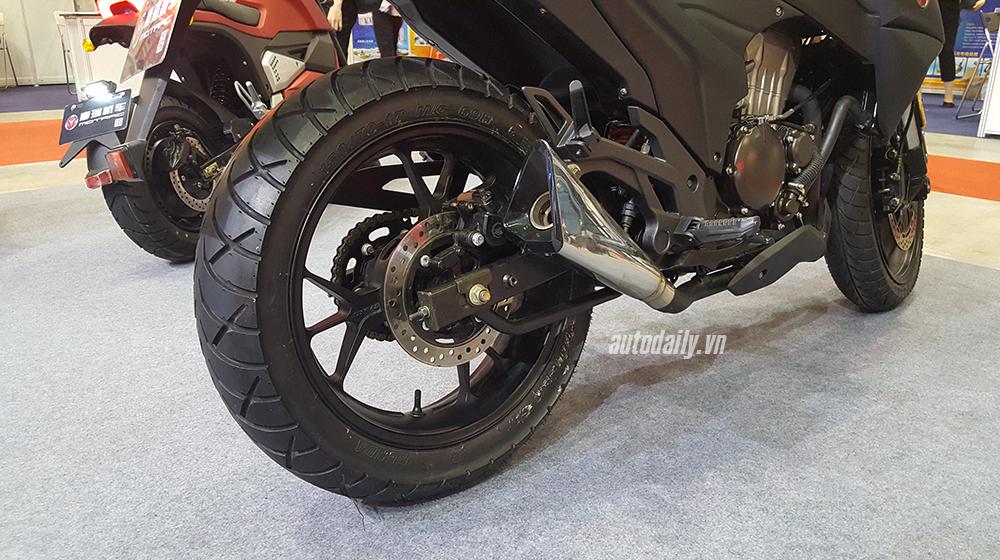 Kawasaki Z1000 (11).jpg