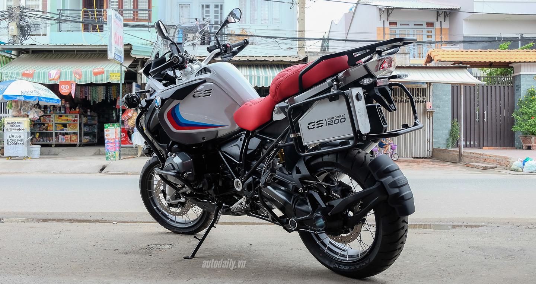 Bmw_Motorrad_R1200gs_Adventure_Iconic (1).jpg
