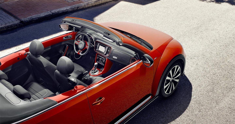 Volkswagen_Beetle_2016 (7).jpg