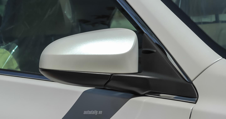 Toyota Camry XLE (27).jpg