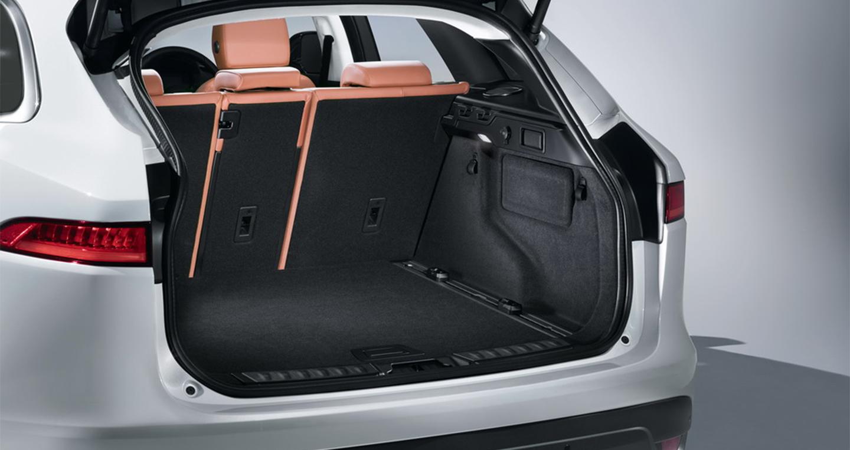 Jaguar-F-Pace (7).jpg