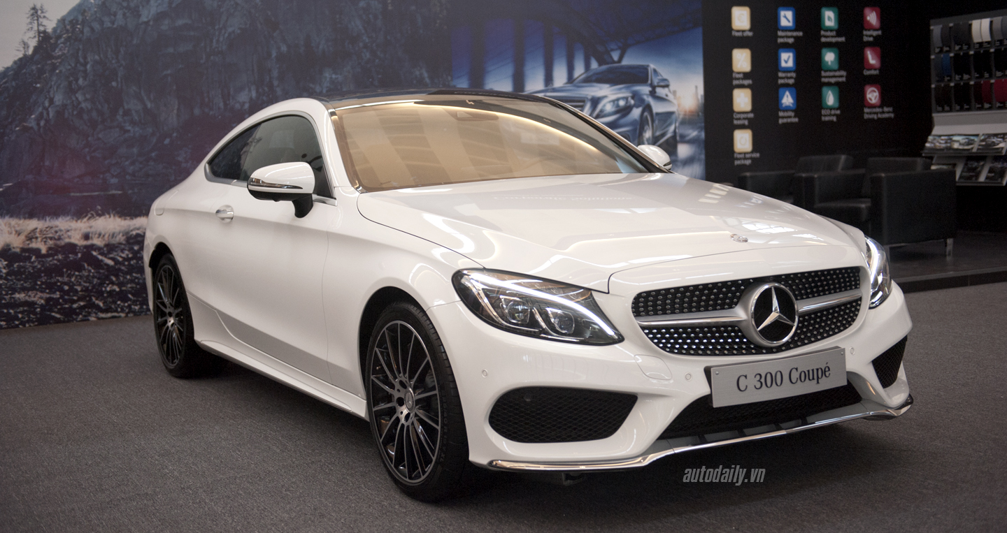 Mercedes C300 Coupe (3).JPG
