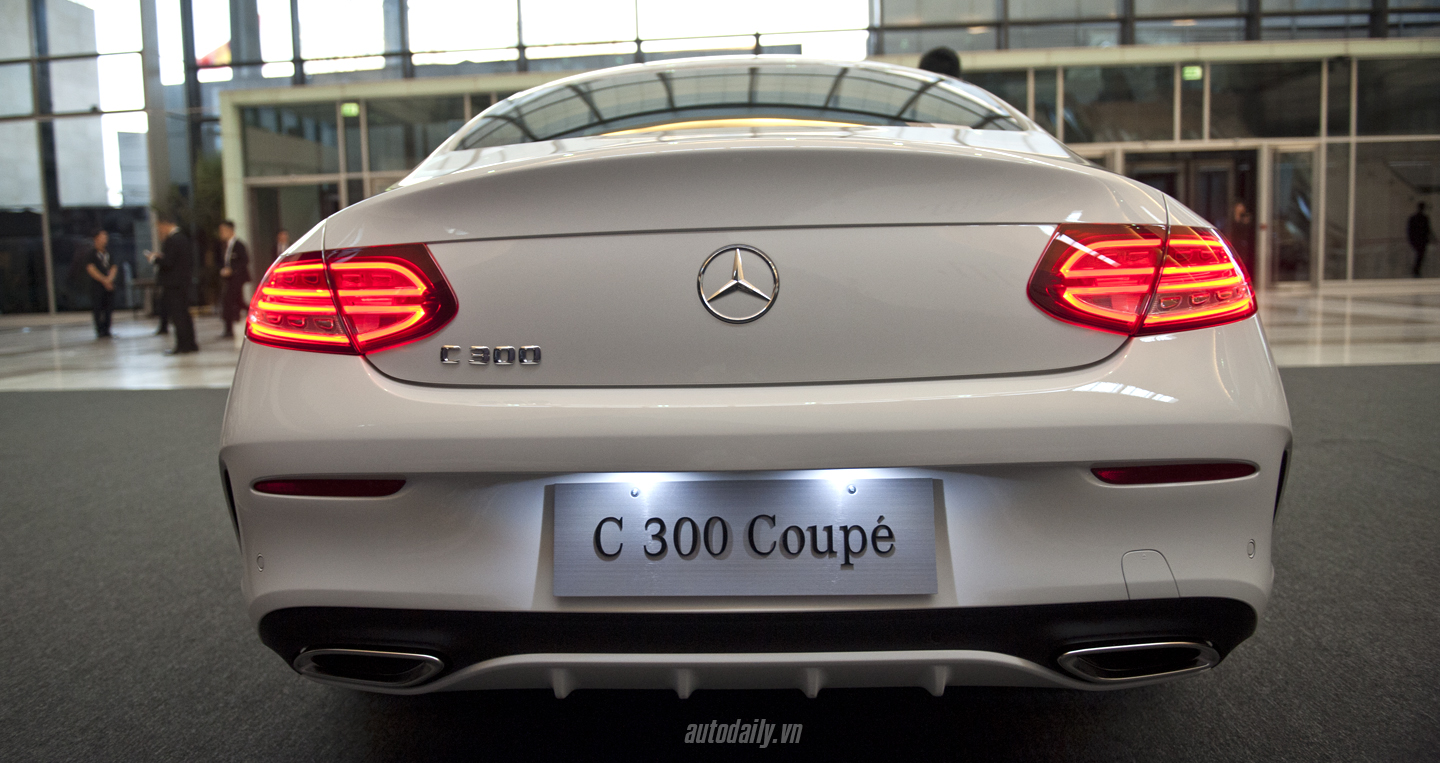 Mercedes C300 Coupe (6).JPG