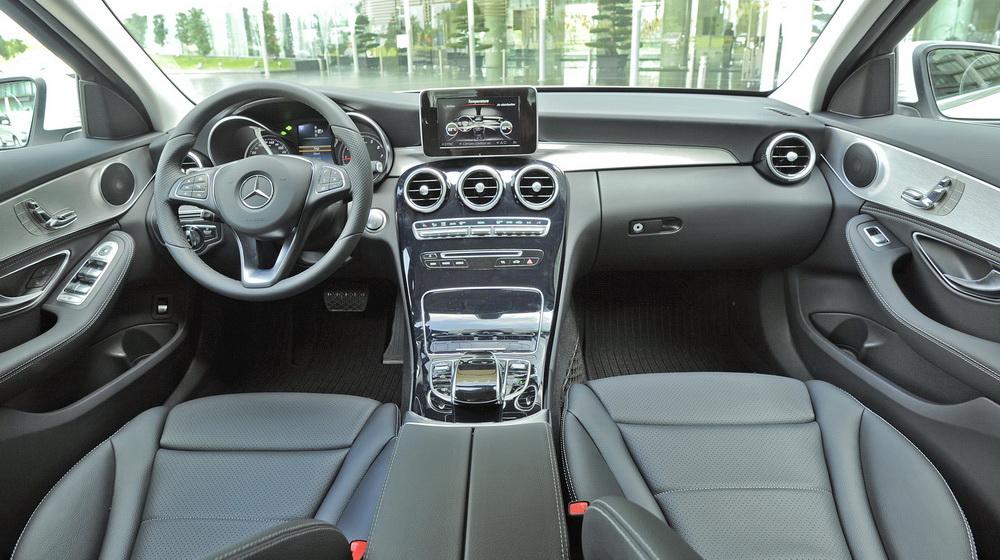Tại sao nên mua Mercedes C200 2017