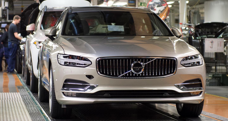 Volvo V90 2017 đầu tiên đã lăn bánh tại Thụy Điển 1