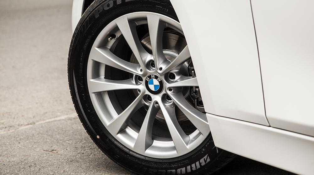 Giá xe BMW 320i bản kỷ niệm 100 năm tại Việt Nam từ 1,658 tỷ VNĐ 4