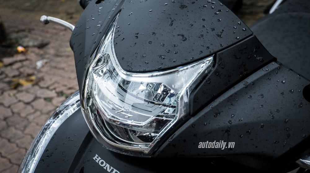Honda SH300i Matte Black (4).jpg