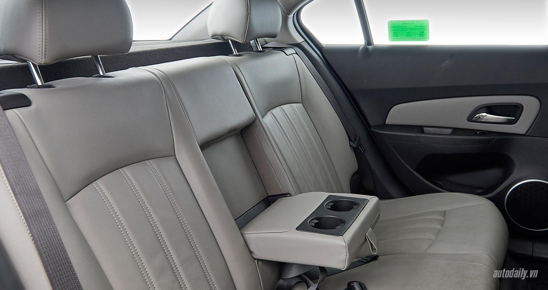 Chevrolet-Cruze-lowres30.jpg