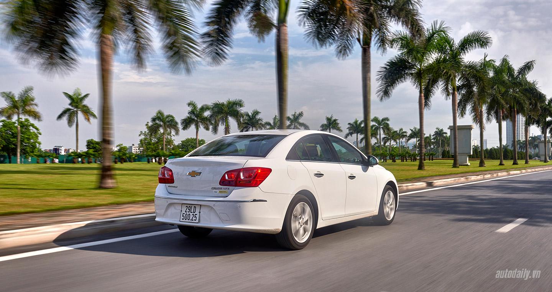 Chevrolet-Cruze-lowres7.jpg