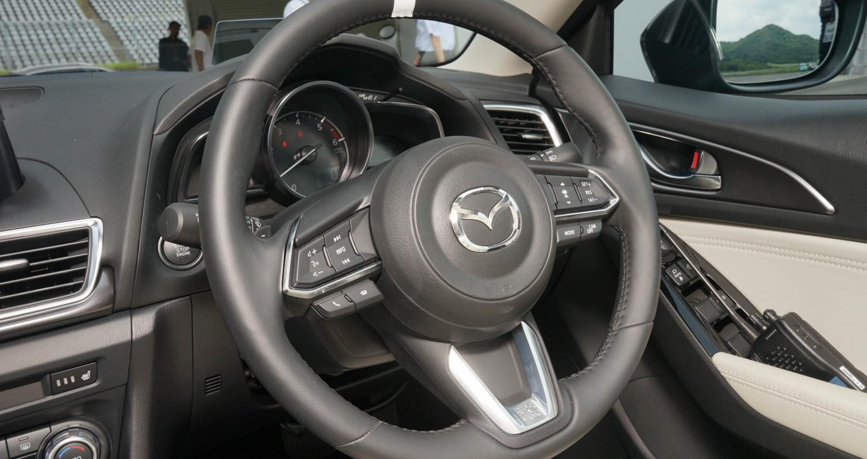 2016-Mazda-3-FL-21.jpg