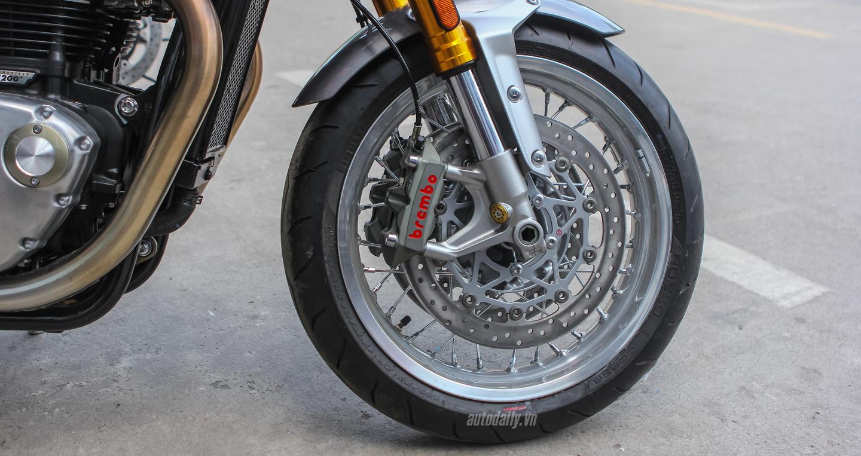 Triumph Thruxton1 (2).JPG