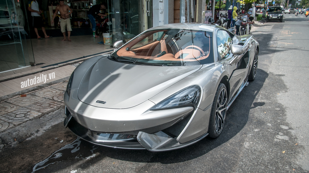 McLaren 570S (23).jpg